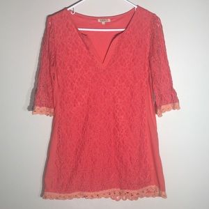 Lucy & Co lace detailed tunic length 1/2 sleeve